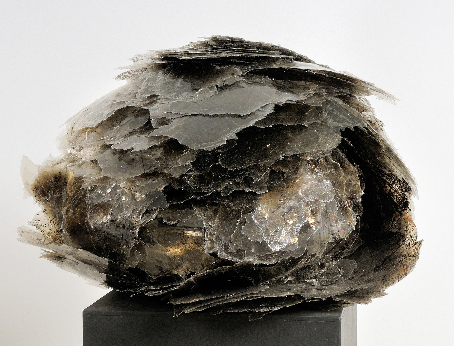 Mica natural art sculpture from Donna Forma